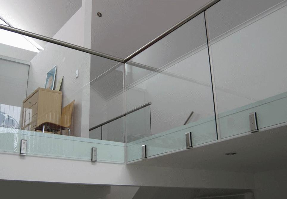 Frameless Glass Floor Support Square Side Mounting